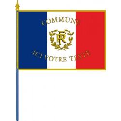 Drapeau français personnalisé sur hampe pour façade avec franges 100 x 150 cm