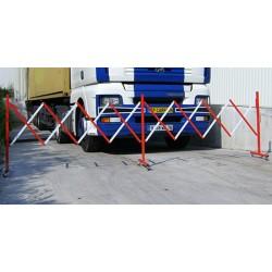Barrière extensible mobile acier blanc et rouge L400 x H95,4 cm